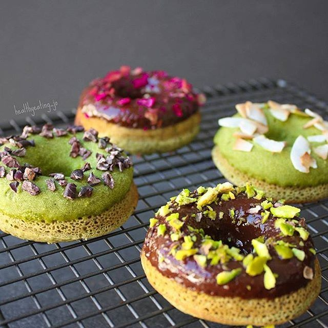 HEALTHY MATCHA PROTEIN DOUGHNUTS