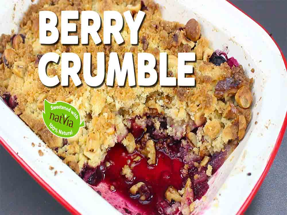 LCHF BERRY CRUMBLE