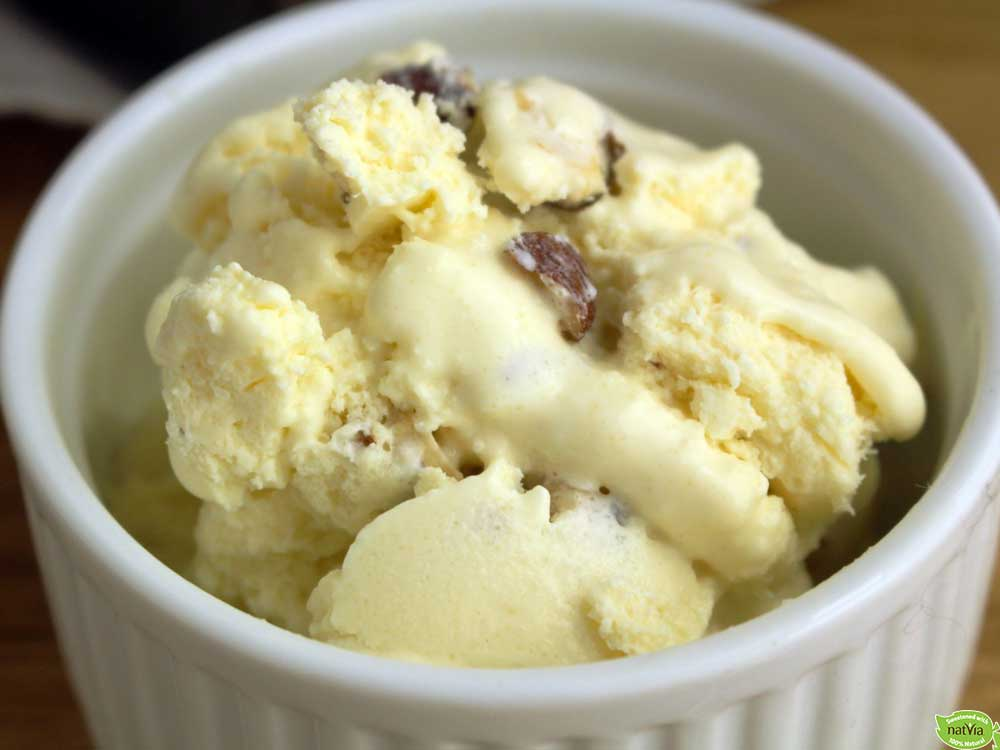 CREAM CHEESE AND HAZELNUT ICE CREAM