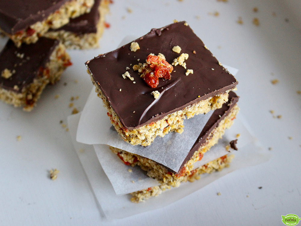 VEGAN GLUTEN-FREE GOJI BERRY AND DARK CHOCOLATE FLAPJACKS