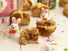 Natvia Hot Cross Buns with Nuttvia Filling