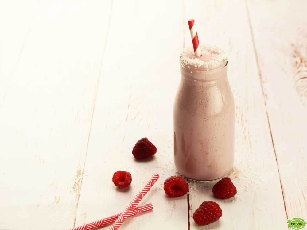 Coconut & Strawberry Paleo Smoothie